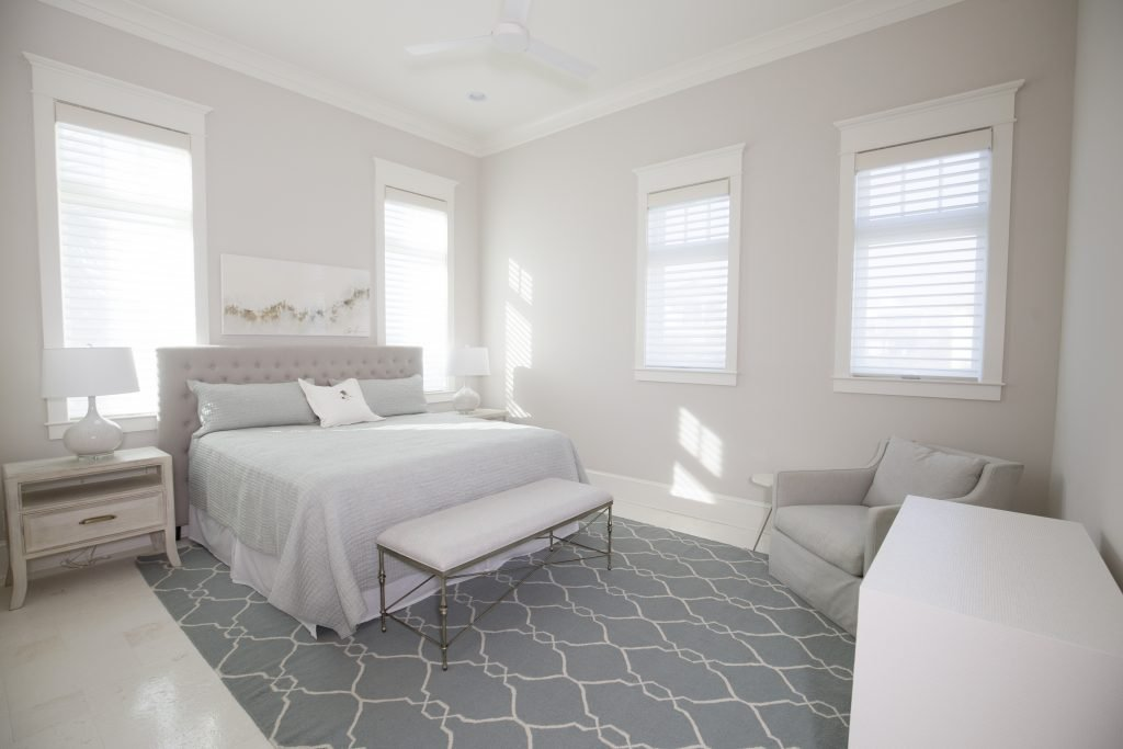 clean white bedroom 1024x683